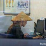 インターネットカフェで坊主が…