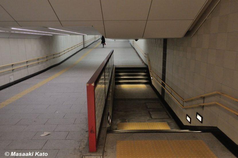 撮影:2014年4月18日 JR有楽町駅近くの地下通路