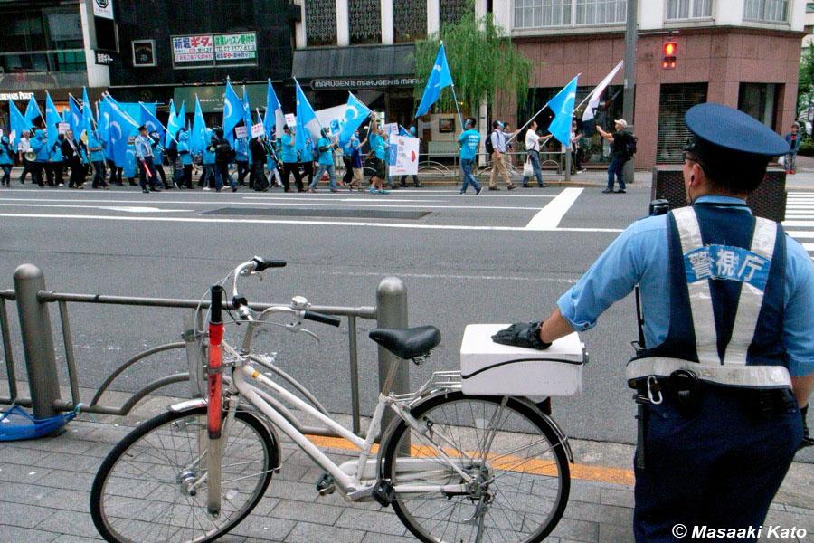 Free Uyghur!ウイグル人強制収容所虐殺抗議デモ 2018年9月30日 電通通り銀座6丁目付近